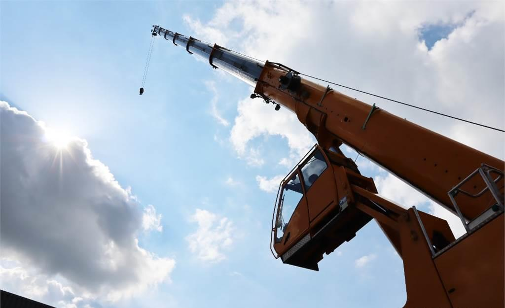 alle terrein kraan Grove GMK4100L Available for rent, 17m Jib, 100t Capacit