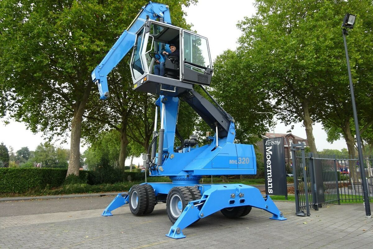 mobiele graafmachine Fuchs MHL 320 Umschlagbagger
