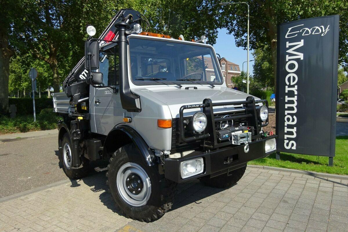 gemeentelijke machine/ speciaal Unimog U1200 - 427/10 4x4
