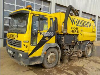 2006 Volvo 4x2 Johnston Road Sweeper, Reverse Camera (Reg. Docs. Available) - veegmachine