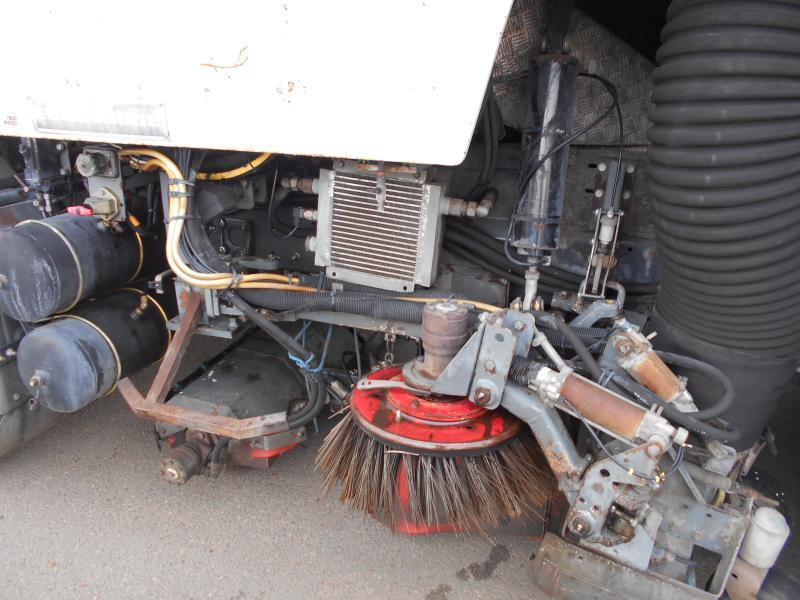veegmachine Renault Midlum 210