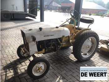 Landbouw tractor International industrie , oldtimer , maaier