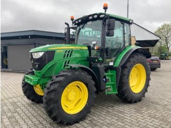 Landbouw tractor John Deere 6110R