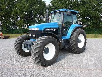 NEW HOLLAND 8670 - landbouw tractor