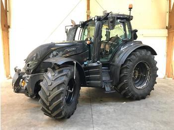 Landbouw tractor Valtra T214 Direct