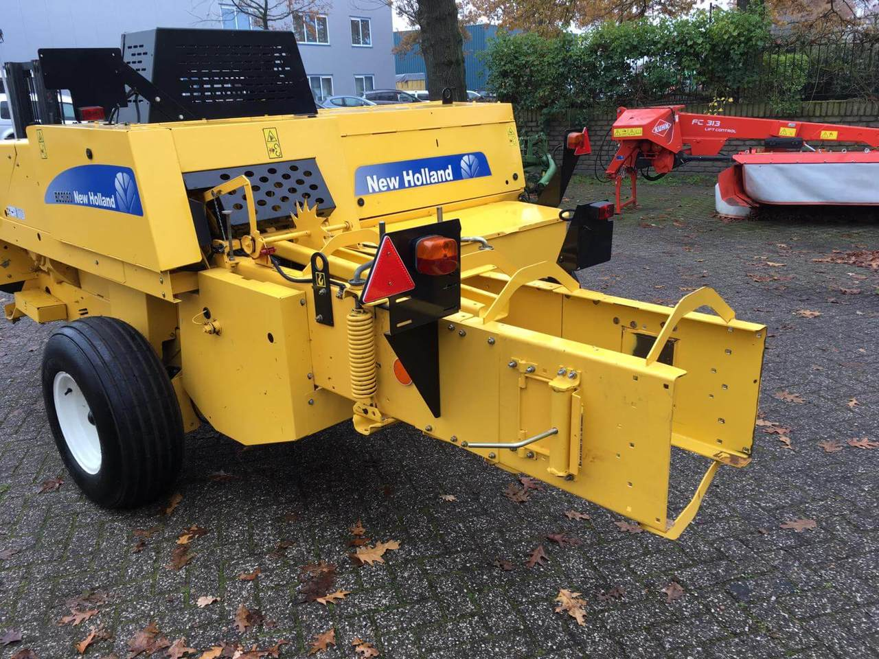 vierkante balenpers New Holland BC5060 Pers