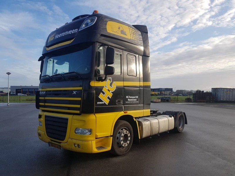trekker DAF XF 105 460 SSC Manual LOW DECK