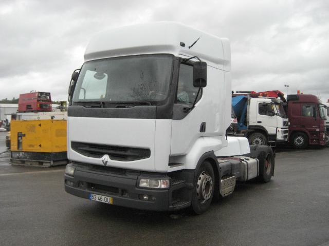 trekker Renault Premium 400