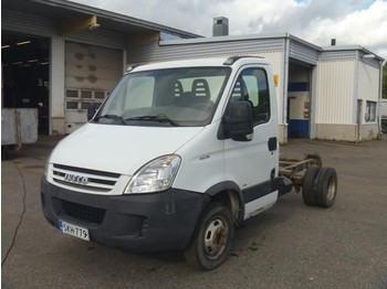 Iveco DAILY 40C15 - chassis vrachtwagen