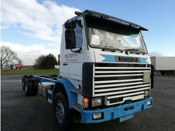 Containertransporter/ wissellaadbak vrachtwagen Scania 112  3-Achs Fahrgestell blattgefedert 6X2