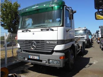 Haakarmsysteem vrachtwagen Mercedes Actros 3331