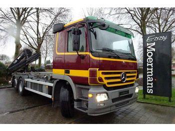 Haakarmsysteem vrachtwagen Mercedes-Benz 2546 6x2 Abrollkipper Mit Kran