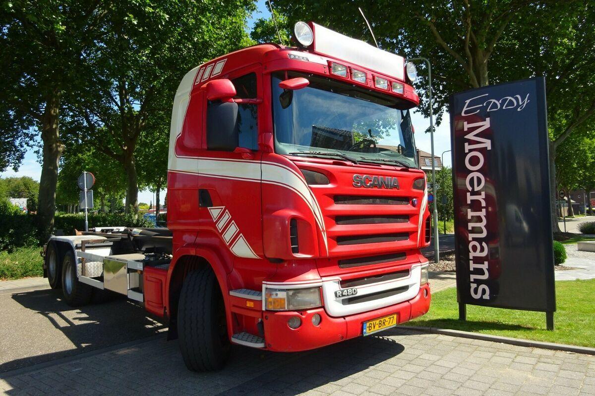 haakarmsysteem vrachtwagen Scania R480 6x2 Hakenabroller