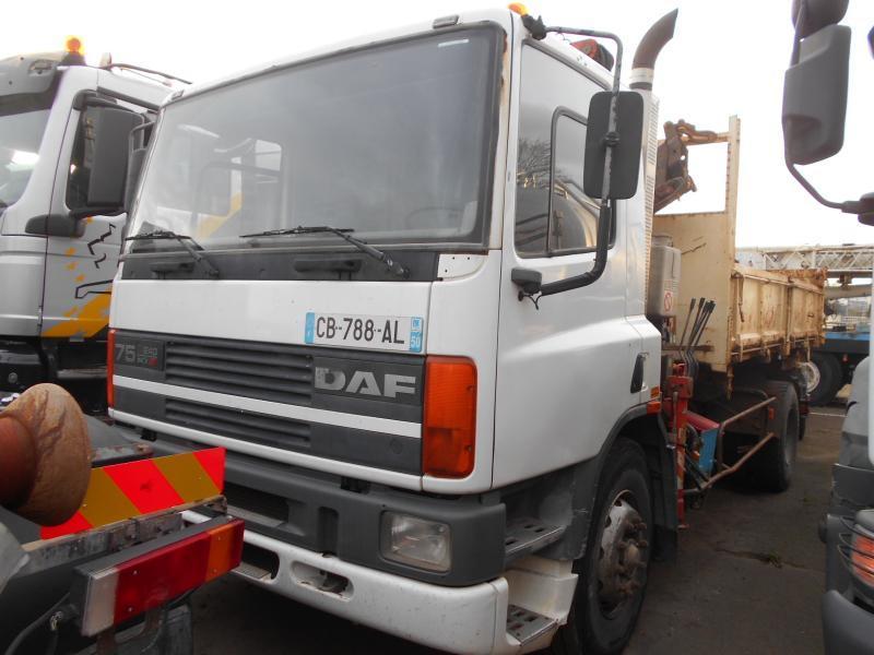 kipper vrachtwagen DAF 75 ATI 240