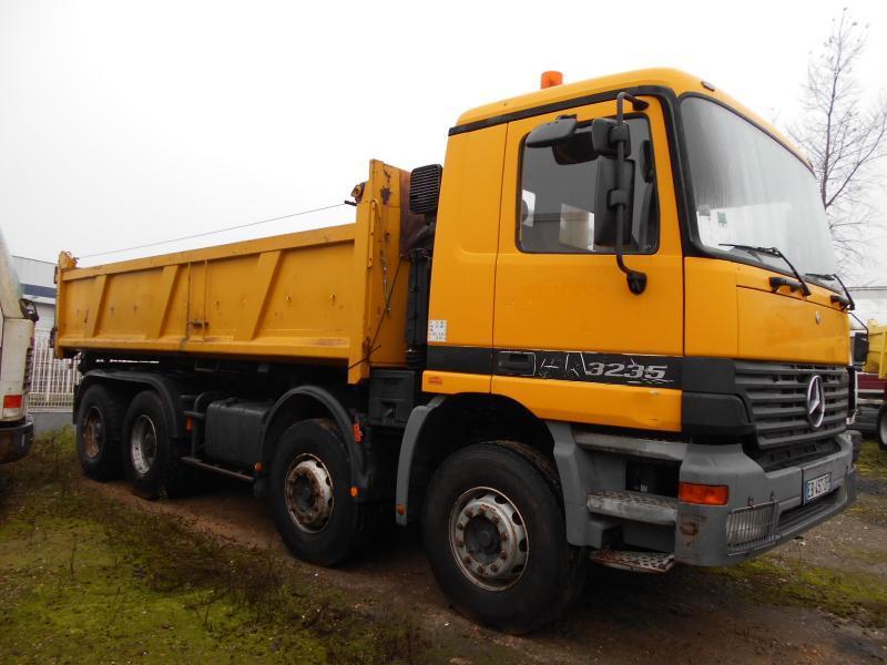 kipper vrachtwagen Mercedes Actros 3235