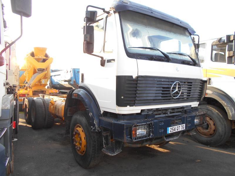 tank vrachtwagen Mercedes 2631