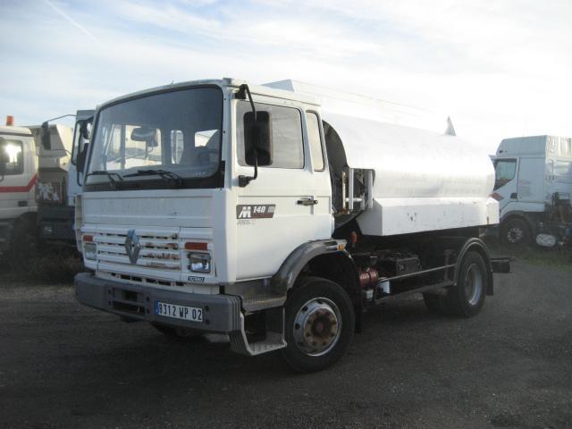 tank vrachtwagen Renault Midliner 140