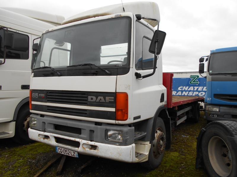 vrachtwagen met open laadbak DAF 65 ATI