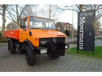 Vrachtwagen met open laadbak Unimog U 1250 6 Cylinder Diesel